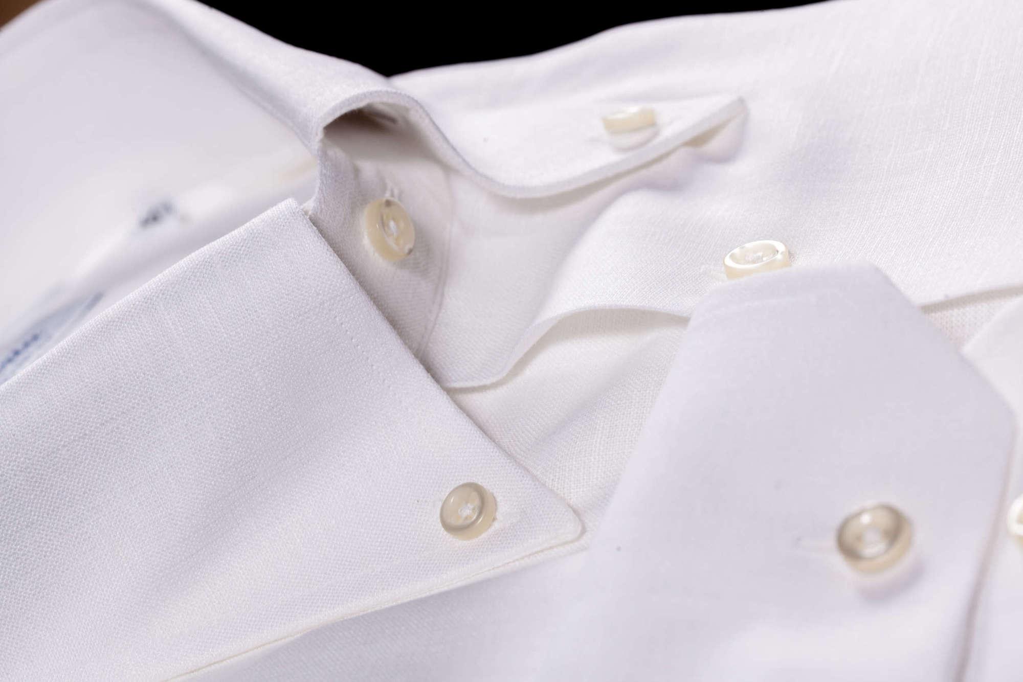 half off 856e7 e536c Il fascino della camicia di lino - News - Camiceria Smeralda