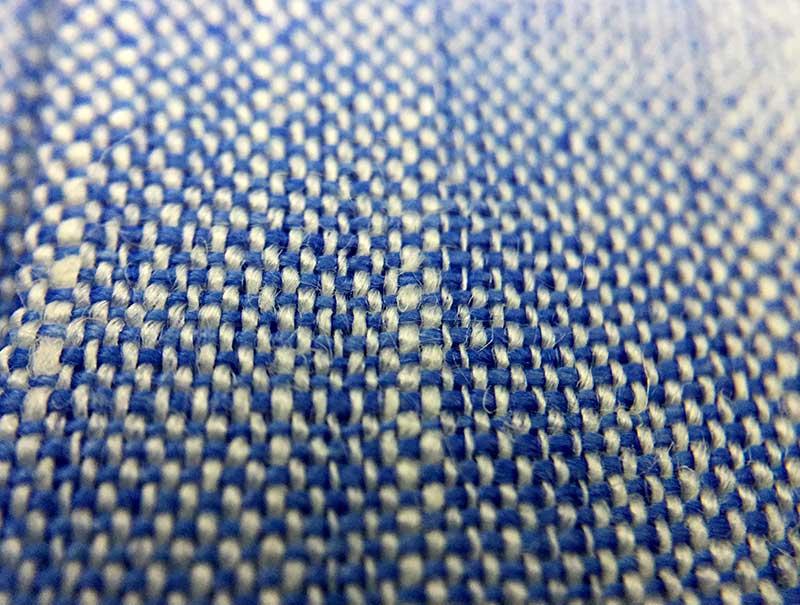 Lavare e stirare le camicie di lino - trama camicia lino azzurro uomo Camiceria Smeralda Ancona