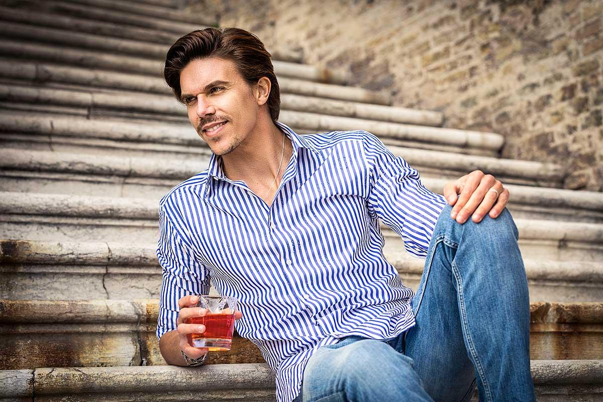 camicia righe uomo con fantasie shooting fotografico ad Ancona