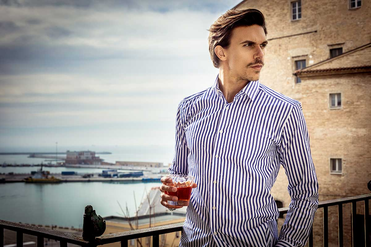 camicia righe uomo operata shooting fotografico Ancona