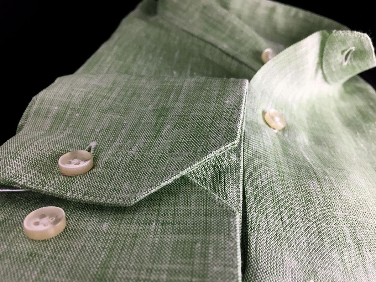 camicia di lino verde da uomo a Camerano