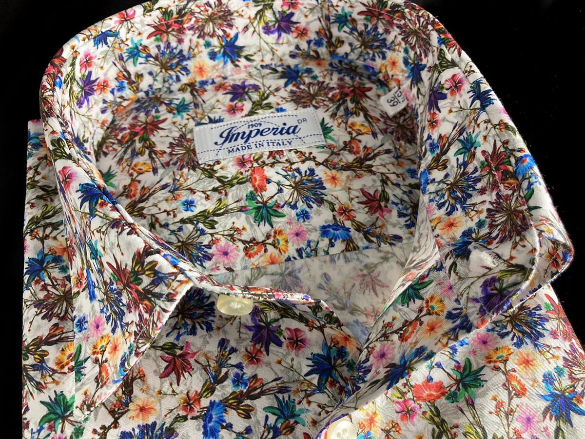 Camicia estiva a fiori da uomo ad Ancona